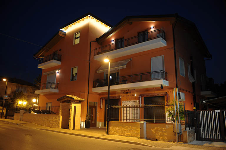 Piccolo mondo Family House